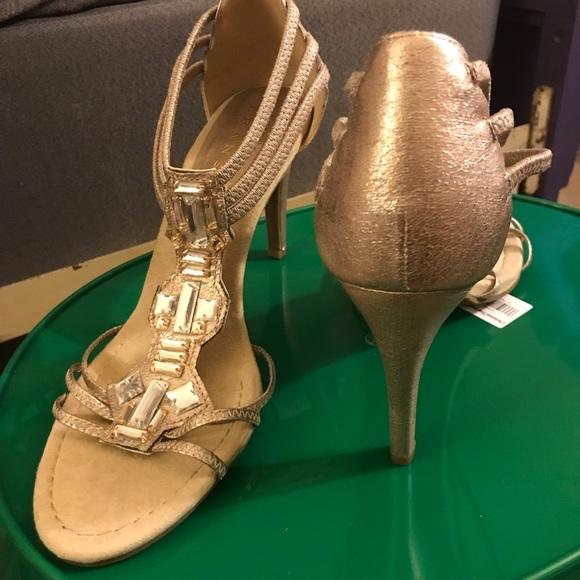 New York Transit Shoes - Gold heels